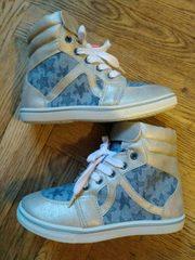 Стильная обувь для девочки