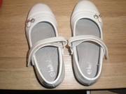 Продам туфли лаковые белые 27 размер,  16, 5 см.